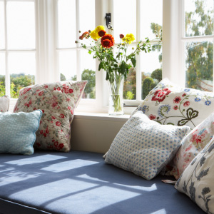 circular-pictures-cushions